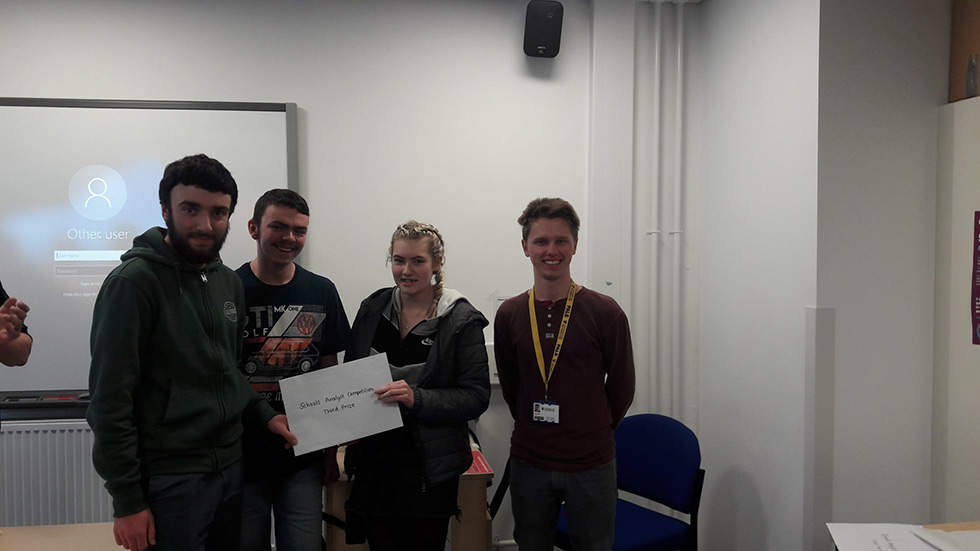 CSMS Win Prize In Royal Society of Chemistry Regional Analyst Competition